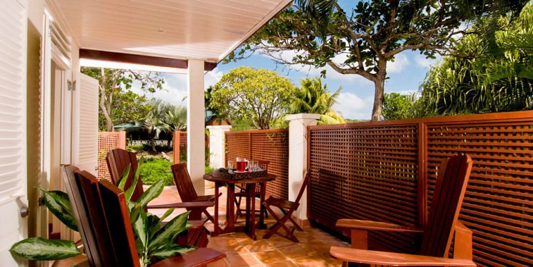 F-guest-house-patio