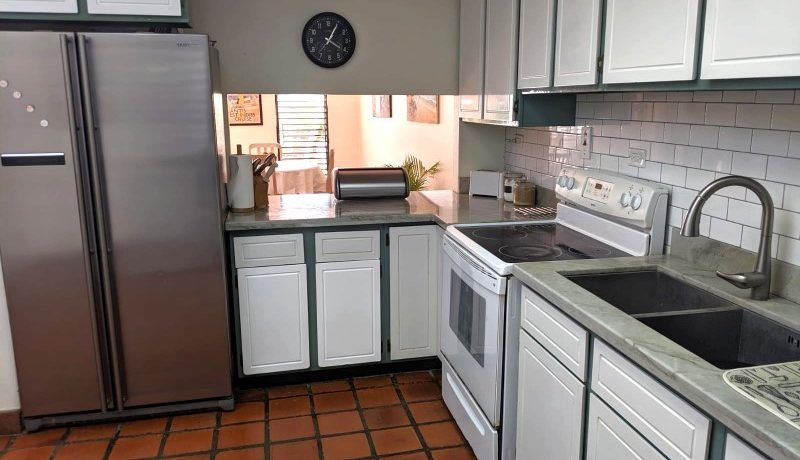 barbados_property_sale_townhouse_206-207_shadyside_kitchen_stove