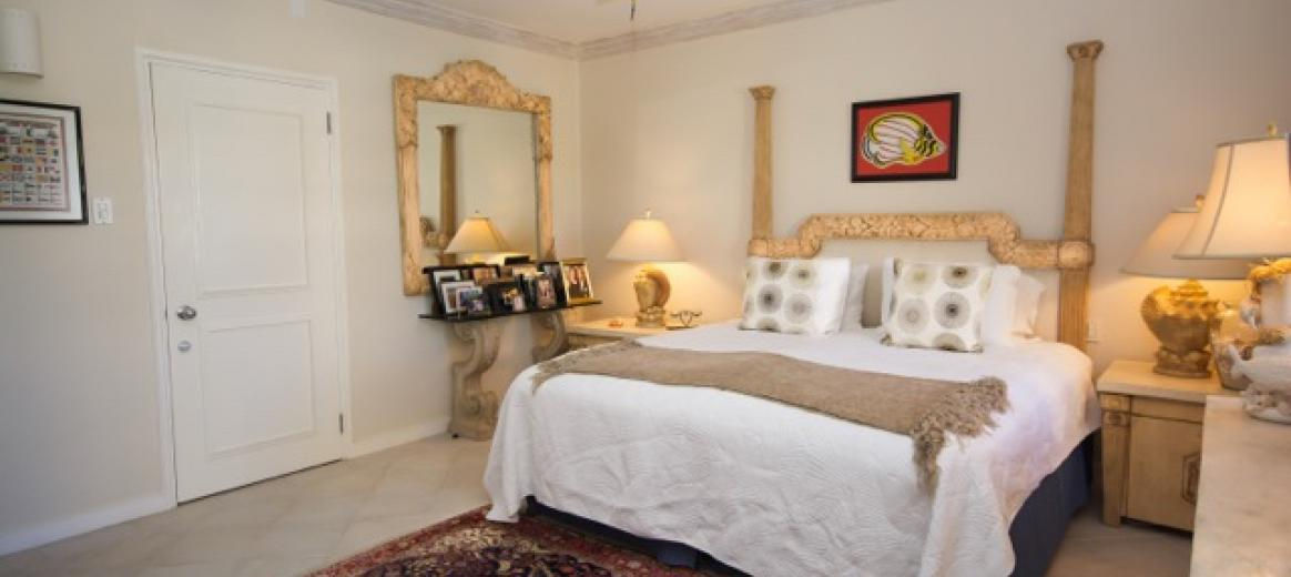 117 middle Bedroom